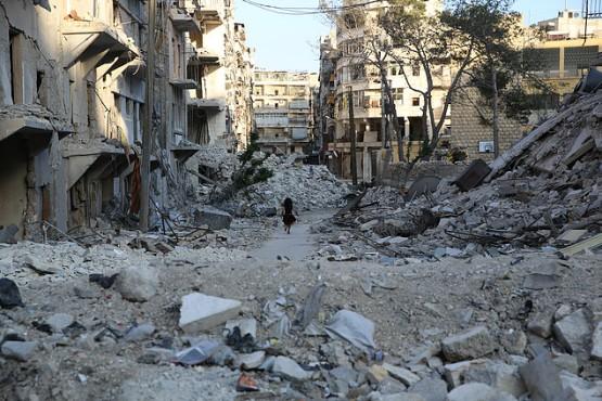 criança-correndo-na-cidade-de-Aleppo-Síria